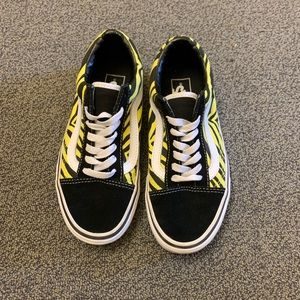 New Yellow and Black Zebra Old Sokol Lace Up Vans